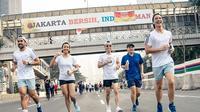 Daniel Mananta, Melanie Putria, dan beberapa artis lainnya ikut serta dalam ajang lari Resolution Run 2019 yang digelar Adidas Runner. (dok. Adidas/Dinny Mutiah)
