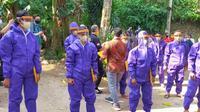 Kemnaker Adakan Penyemprotan Disinfektan di Pondok Cabe, Tangerang Selatan (Foto: Kemnaker)