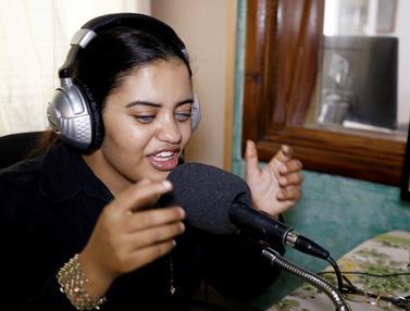 20161004-Penyandang Tunanetra Jadi Penyiar Radio-Tunisia