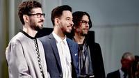 Melansir dari Altpress.com, Linkin Park menang di American Awards 2017 kategori Favorite Alternative Rock. Terdapat dua nominator lainnya selain Linkin Park, ada Imagine Dragons dan Twenty One Pilots. (AFP/Kevin Winter)