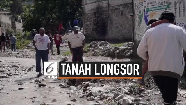 Musibah tanah longsor menewaskan 7 warga Meksiko yang sedang berpesta. Tanah longsor dipicu hujan deras yang mengguyur wilayah itu selama beberapa jam.