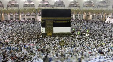 Virus COVID-19 Terus Mewabah, Arab Saudi Hentikan Sementara Umrah