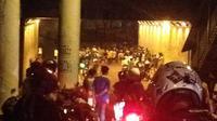 Tawuran di kawasan Manggarai, Jakarta Selatan. (www.twitter.com)