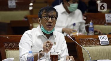 FOTO: Menkumham - DPR Bahas Reformasi Birokrasi hingga Aturan Kenormalan Baru