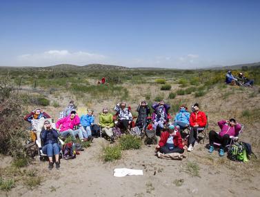 FOTO: Antusiasme Warga Argentina Menyaksikan Gerhana Matahari Total