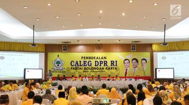 Suasana acara Pembekalan Caleg DPR RI Partai Golongan Karya di Jakarta, Rabu (19/12). Pembekalan diadakan dalam rangka persiapan menghadapi Pemilu 2019 mendatang. (Liputan6.com/Immanuel Antonius)