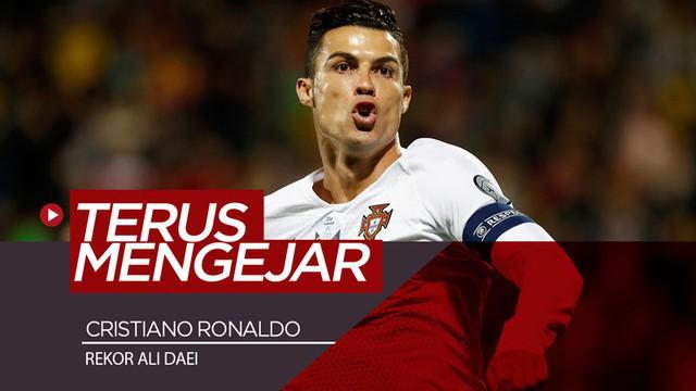 Berita video bintang Portugal, Cristiano Ronaldo, seperti ingin terus mengejar rekor Ali Daei dalam hal torehan jumlah gol untuk tim nasional. Kini selisih berapa gol antara CR7 dan Daei?
