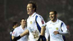 1. Leeds United - Klub yang sempat ditakuti di pentas Eropa. Buktinya Leeds pernah menembus final Piala Champions pada tahun 1975 dan semifinal 2001. Namun pada pertengahan 2000an, tim ini mengalami keterpurukan. (AFP/Andrew Yates)