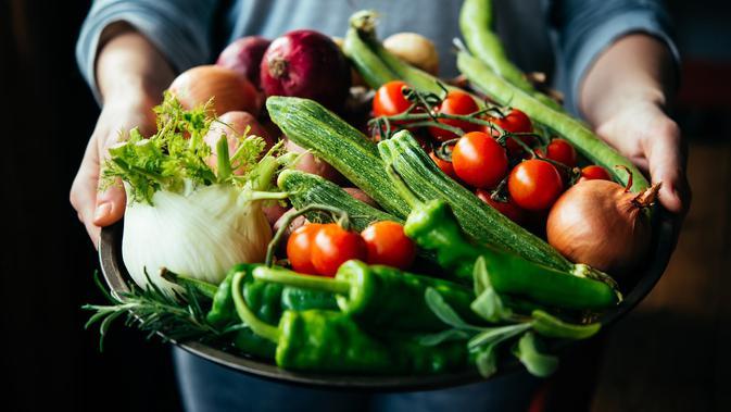 Bermodal Air Garam, Ini Cara Mudah Bersihkan Pestisida di Sayur dan Buah