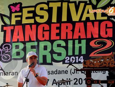 estival Tanggerang Bersih berlangsung seru di bantaran kali Cisadane, Rabu (23/4/2014) (Liputan6.com/Faisal R Syam).