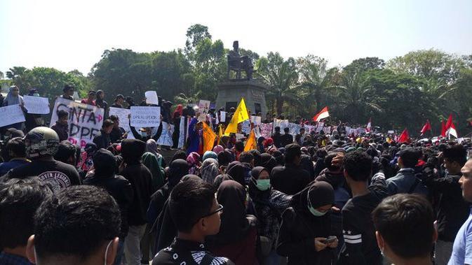 Aksi mahasiswa di Solo. (Merdeka.com)