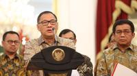 Gubernur Bank Indonesia, Agus Martowardojo menjelaskan 5 paket kebijakan di Istana Negara. (Foto: Faizal Fanani/Liputan6.com).