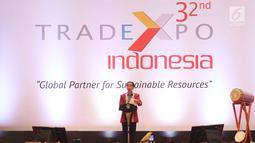 Presiden Joko Widodo memberi sambutan saat pembukaan pameran Trade Expo 2017 di ICE BSD, Tangerang Selatan, Rabu (11/10). Pameran dagang terbesar di Indonesia ini diikuti oleh 1.100 perusahaan nasional. (Liputan6.com/Angga Yuniar)