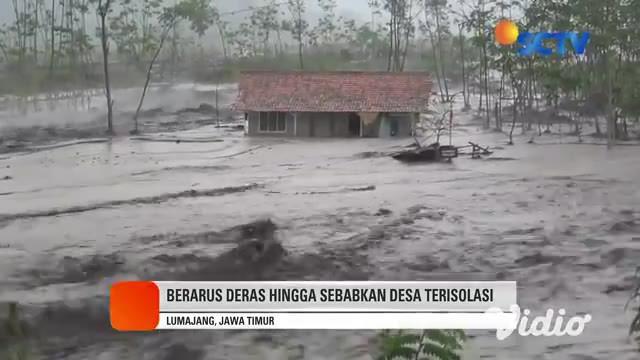 Gunung Semeru kembali meluapkan lahar dingin dan menerjang sungai, serta area dekat pemukiman warga di kawasan Lumajang, Jawa Timur. Sejumlah warga bersama dengan penambang pasir yang tengah terjebak di tengah arus lahar berupaya mengevakuasi truk.