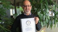 Andres Whitby mendapat rekor dunia sebagai pria dengan transplantasi jantung dan paru yang hidup terlama di dunia.