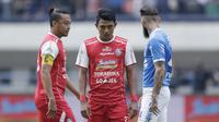 Striker Arema FC, Dedik Setiawan, saat melawan Persib Bandung pada laga Liga 1 di Stadion GBLA, Jawa Barat, Kamis (13/9/2018). Persib menang 2-0 atas Arema FC. (Bola.com/M Iqbal Ichsan)