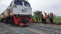 Jalur hilir KA antara Stasiun Kedunggedeh - Stasiun Lemahabang, Kabupaten Bekasi, Jawa Barat, sudah dapat dilewati oleh semua kereta api (dok: KAI)