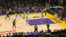 Berita video game recap NBA 2017-2018 antara LA Lakers melawan San Antonio Spurs dengan skor 122-112.