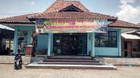 Gedung Museum RAA Adiwidjaja Garut di Bilangan Simpang Lima Garut, nampak lenggang dari kunjungan wisata (Liputan6.com/Jayadi Supriyadin)