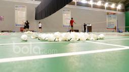 Para pebulu tangkis sedang berlatih di  Pusat latihan Pelatnas Indonesia, Cipayung, Jakarta, (4/1/2017). (Bola.com/Nicklas Hanoatubun)