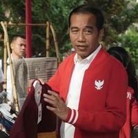 Presiden Joko Widodo tampil stylish dengan jaket spesial yang hadirkan semangat negarawan. (Foto: Giordano)