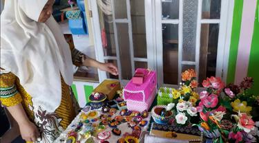 Pemilik Usaha Kecil Menengah (UKM) di Kabupaten Bone Bolango, Provinsi Gorontalo, Nining Mantali (Arfandi Ibrahim/Liputan6.com)