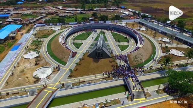 Mengawali kunjungan kerjanya ke Provinsi Papua Presiden Joko Widodo akan meresmikan Monumen Kapsul Waktu di Kabupaten Merauke.