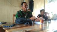 Danrem 132 Tadulako, Brigjend TNI Farid Makruf saat berdiskusi dengan jurnalis di Palu pada 21 Juli, 2020 tentang rencana pelibatan kembali TNI dalam Operasi Tinombala di Poso . (Foto: Liputan6.com/ Heri Susanto).