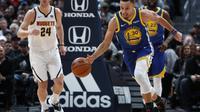 Stephen Curry memimpin Warriors menghajar Nuggets pada lanjutan NBA (AP)