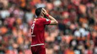 Striker Persija Jakarta, Marko Simic, tampak kecewa gagal membobol gawang Mitra Kukar pada laga Liga 1 di SUGBK, Jakarta, Minggu (9/12). Persija menang 2-1 atas Mitra. (Bola.com/Yoppy Renato)
