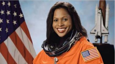 Astronaut Wanita Ungkap Cara Perawatan Kulit Saat di Luar Angkasa