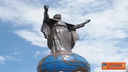 Citizen6, Timor Leste: Patung Kristus Raja yang terletak di Bukit Fatucama, sebelah timur Kota Dilli merupakan objek wisata rohani popular di Timor Leste. (Pengirim: Pongky Seran)