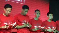 Penyerang Persija Jakarta, Addison Alves (kedua dari kiri), dalam peluncuran sepatu terbaru Mizuno di Fisik Sport Jakarta, Kamis (28/6/2018). (Istimewa)