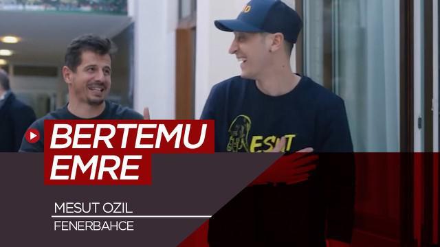 Berita video momen saat Mesut Ozil bertemu dengan pemain Fenerbahce dan legenda Turki, Emre Belozoglu