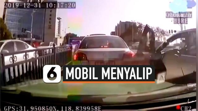 vertical mobil nyalip