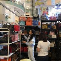 Bazaar barang branded preloved yang terbesar di Indonesia, Irresistible Bazaar akan hadir kembali untuk yang ke 12 kalinya.