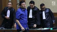 Terdakwa perintangan proses penyidikan KPK, Lucas saat menjalani sidang pembacaan putusan di Pengadilan Tipikor, Jakarta, Rabu (20/3). Lucas divonis bersalah dan dihukum 7 tahun penjara dan denda Rp 600 juta. (Liputan6.com/Helmi Fithriansyah)