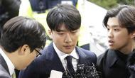 Seungri jalani pemeriksaan (AP Photo/Ahn Young-Joon)