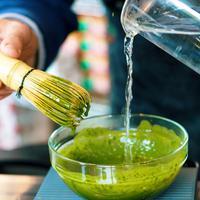 Ilustrasi green tea (Photo by Jason Leung on Unsplash)