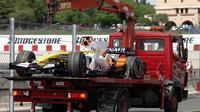 Truk pengangkut mobil Formula 1, Renault. (JOSEP LAGO / AFP)