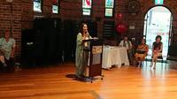 Donasi Indonesia berupa buku ke Museum Australia. (KJRI Sydney via Kemlu RI)