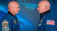 Eksperimen unik ini dimungkinkan karena ada si kembar Mark dan Scott Kelly yang sama-sama menjadi astronot NASA. (Sumber (NASA/Robert Markowitz)