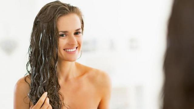 22 Cara Melembutkan Rambut Secara Alami dan Permanen 887a5f4733