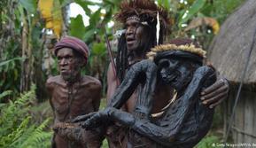 Mumi Asli Indonesia dari Suku Dani di Papua
