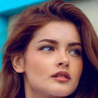 """Makeup """"No-Makeup"""" tetap untuk dipadankan dengan busana apa saja dan untuk acara apa saja. Semua perempuan wajib bisa (Foto: unsplash.com)"""