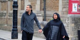 Kabar bahagia kembali datang dari Janet Jackson, belum lama mengumumkan soal kehamilan pertamanya di usia 50 tahun, kini Janet hadir dengan tampilannya mengenakan hijab. (doc.mirror.co.uk)