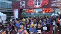 Sebanyak 4000 peserta lari berkumpul merayakan ultah J.Co Indonesia ke-12 di Mall Alam Sutera, Tangerang