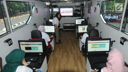 "Bagian dalam ruang bus ""Jelajah Negeri Bangun Antikorupsi"" yang diluncurkan oleh KPK di Jakarta, Senin (24/9). Bus yang bakal jelajahi 11 kota di Tanah Air itu bertujuan mengkampanyekan dan mengedukasi gerakan antikorupsi. (Merdeka.com/Dwi Narwoko)"