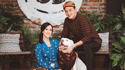 Sosok Jannisa Pradja berprofesi sebagai model profesional dan berasal dari Bali. Selain itu, Jannisa juga dikenal pecinta binatang. Ia mempunyai hewan peliharaan anjing yang diberi nama bule. (Liputan6.com/IG/janisaas)