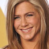 Jennifer Aniston kini sudah berpisah dengan Justin Theroux. Dikabarkan, Jen kini mengencani dua pria sekaligus! (Narcity)